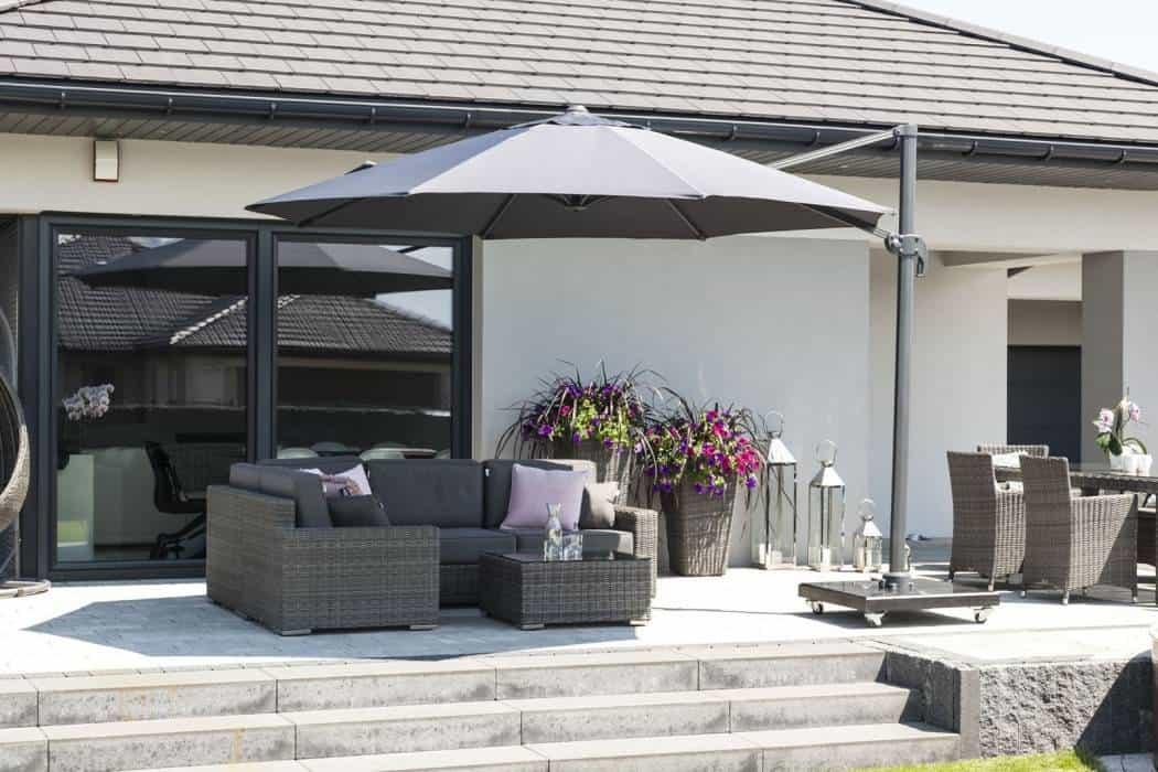 Na zdjęciu parasole do ogrodu