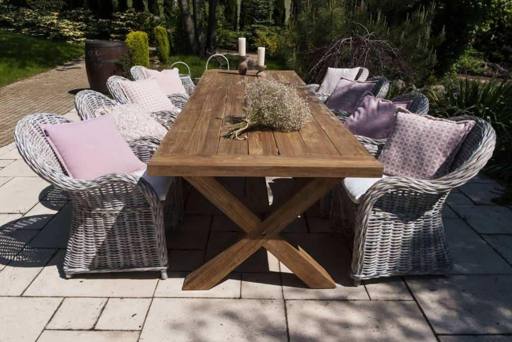 Na zdjęciu meble rattanowe ogrodowe