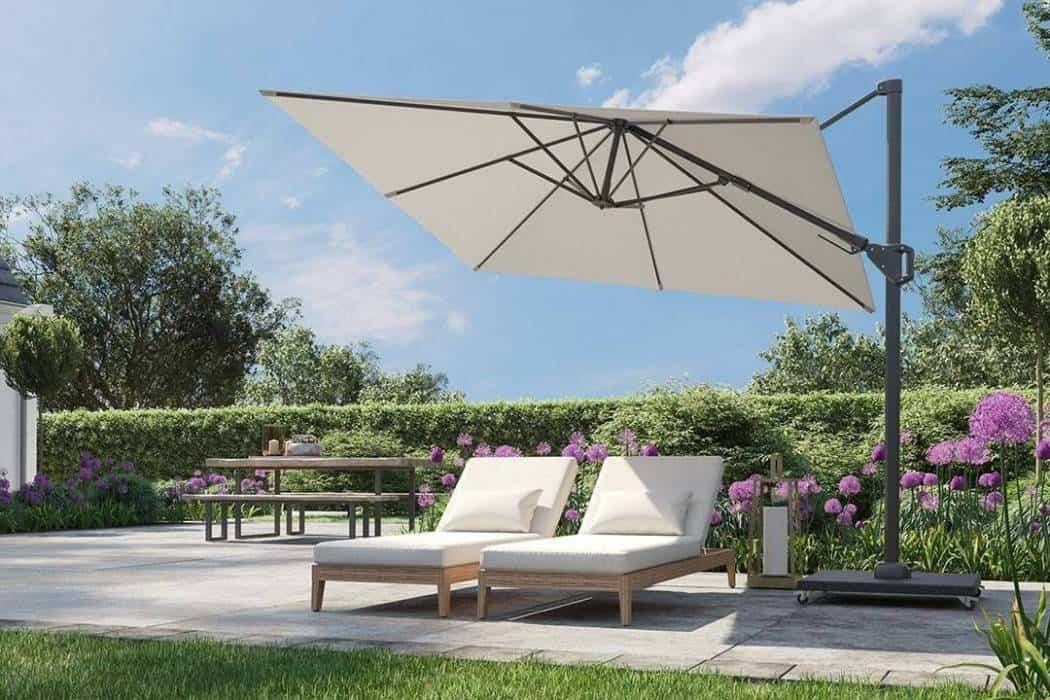 Duży parasol ogrodowy