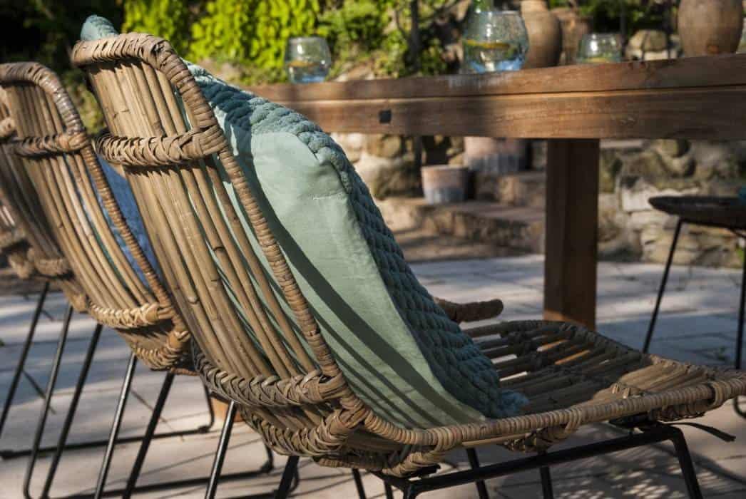 Krzesła rattanowe ogrodowe