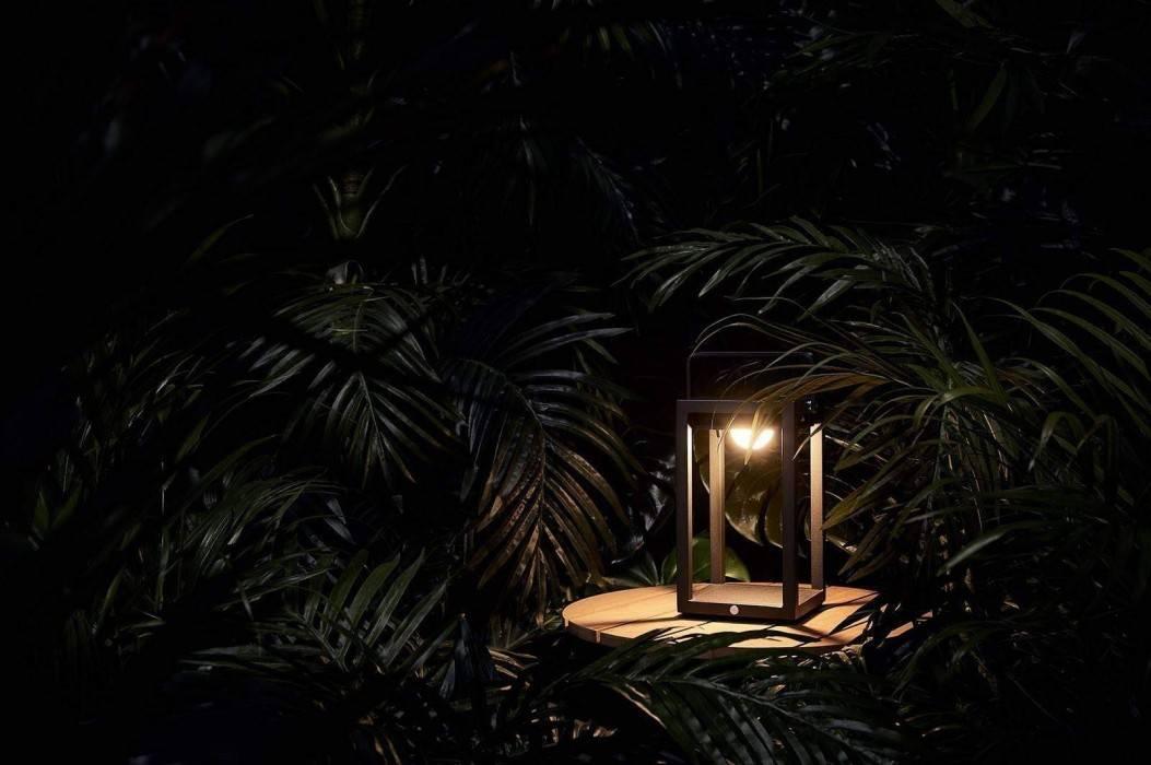 Lampa na taras – niezbędna część ogrodowej kompozycji