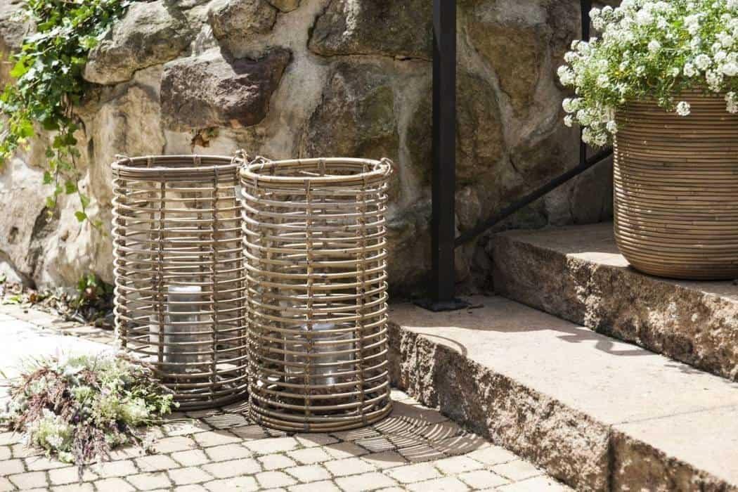 Lampy tarasowe – nieodłączna część modnego ogrodu