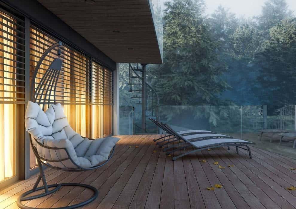 Fotel ogrodowy wiszący – najmodniejsze modele, których nie może zabraknąć w Twoim ogrodzie!