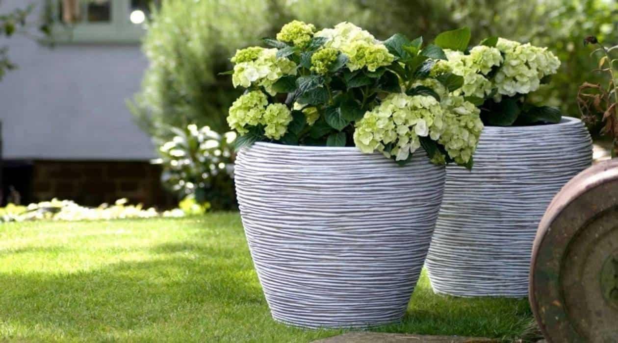 Donice zewnętrzne nowoczesne – tchnij życie w swój ogród!