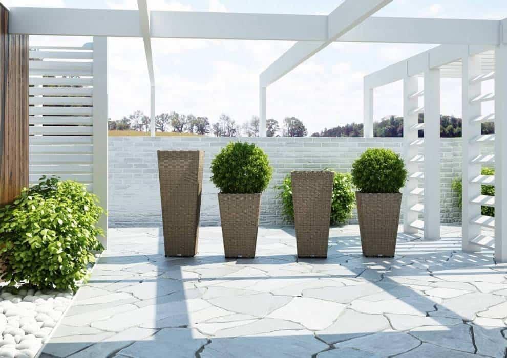 Duże donice na zewnątrz – stylowa i funkcjonalna dekoracja