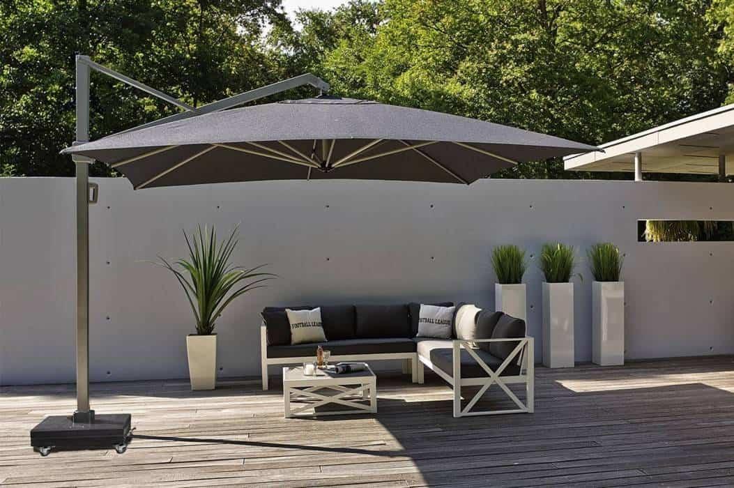 Parasol ogrodowy 4m – praktyczne rozwiązania dla dużych tarasów