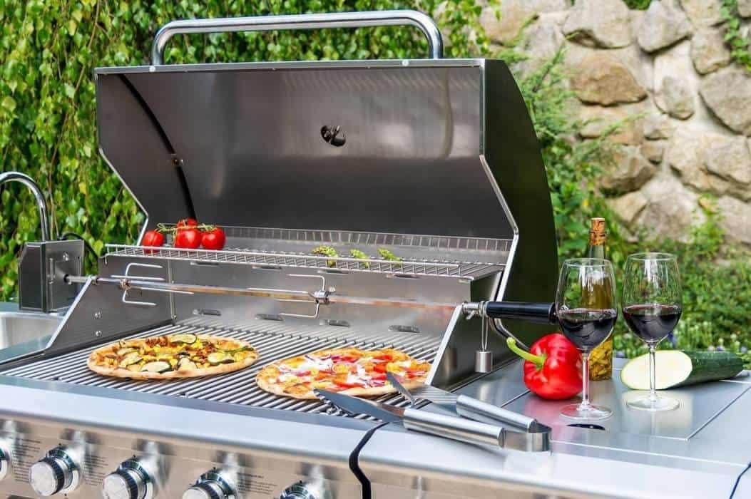 Grill na tarasie – Twoja letnia kuchnia