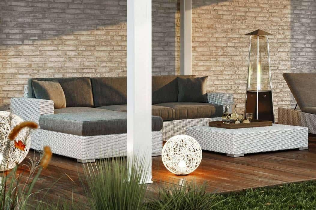 Biała kanapa tarasowa – hit w modnych ogrodach
