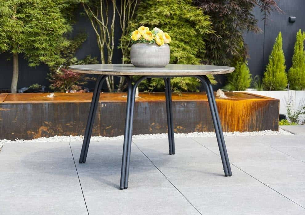 Stół ogrodowy okrągły: ponadczasowy i elegancki