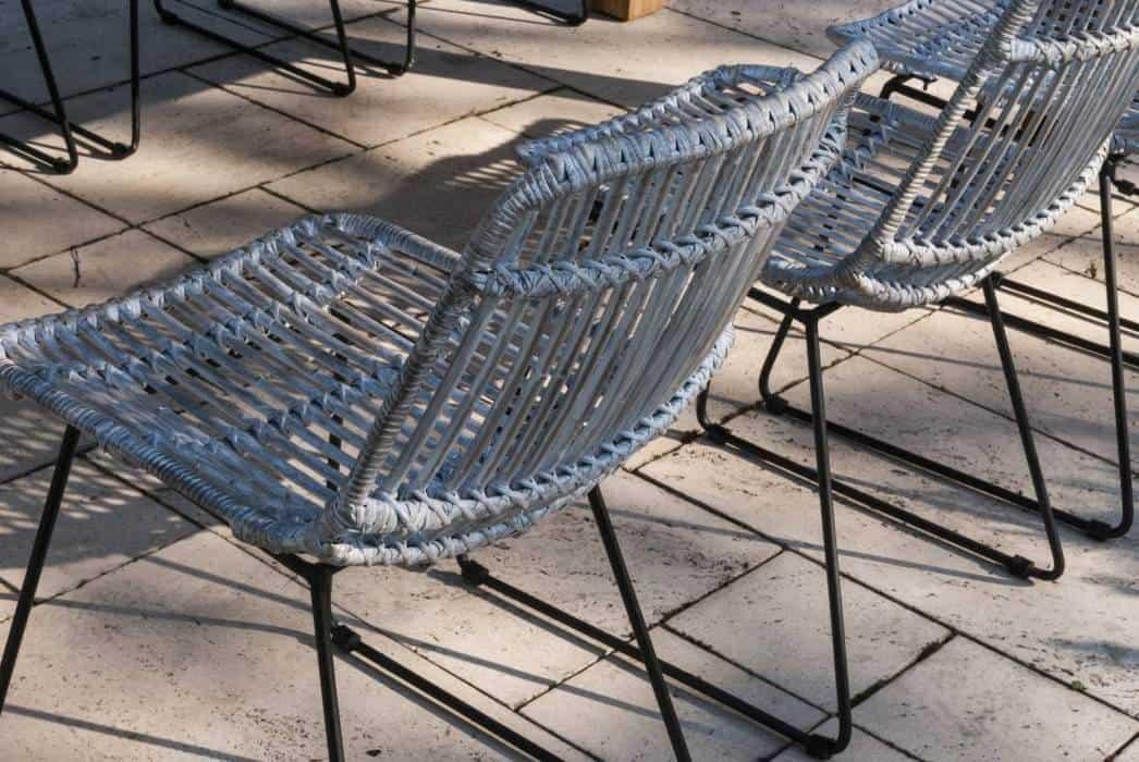 Rattanowy fotel: stylowy akcent w ogrodzie