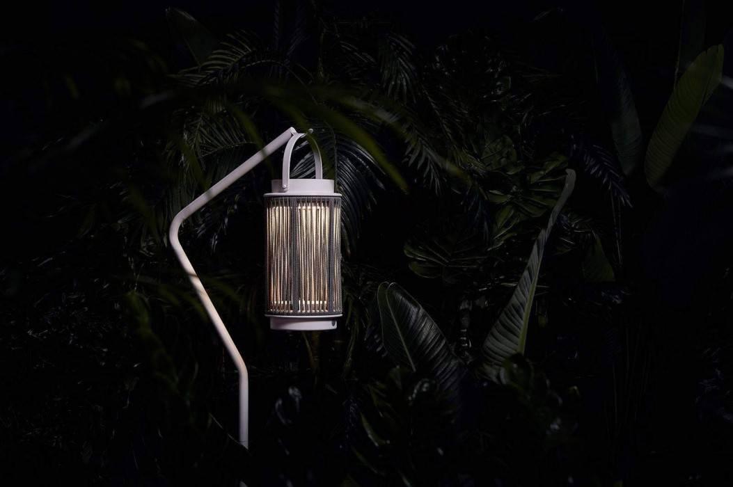 Lampiony na balkon – odrobina magii na co dzień