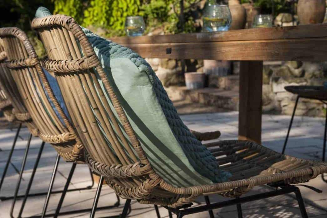 Modne meble tarasowe – inspiracje na nadchodzący sezon