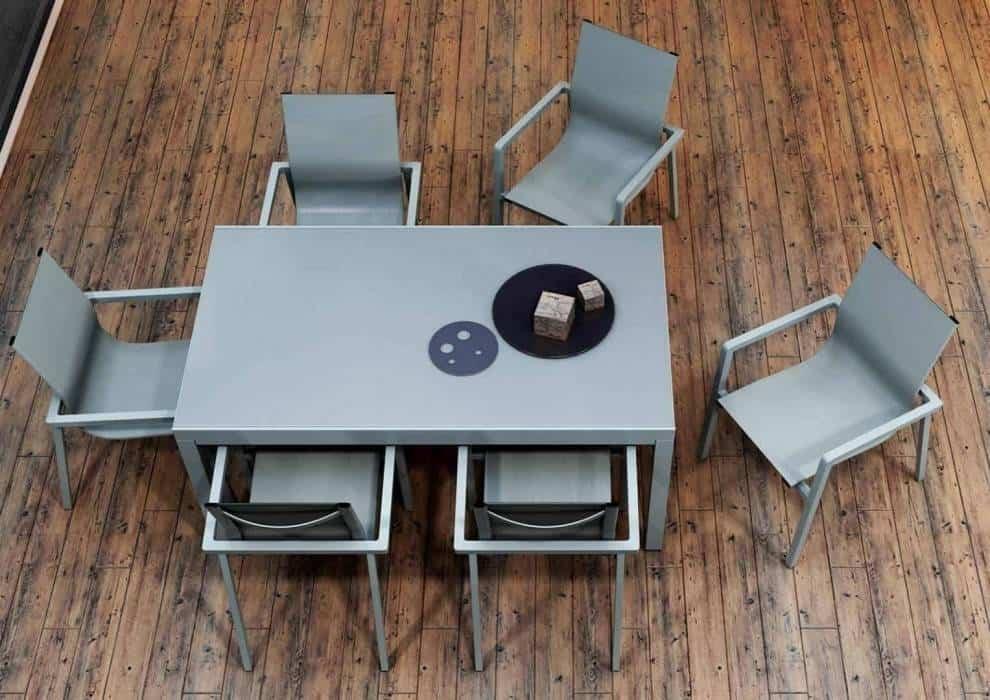 Duży stół ogrodowy – funkcjonalne rozwiązania dla większej wygody