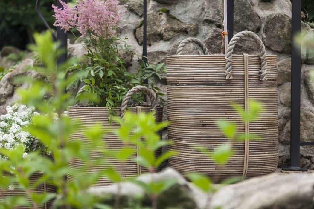 Doniczki zewnętrzne – must have w ogrodzie