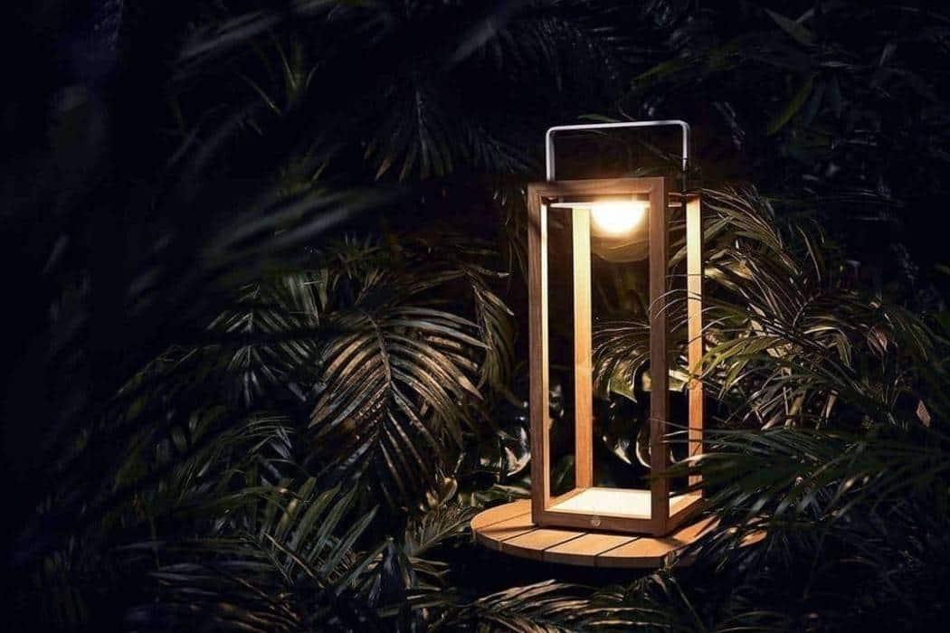 Lampion biały – stylowy dodatek do ogrodu i na taras