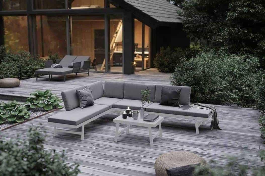 Łóżko ogrodowe – wyższy poziom relaksu