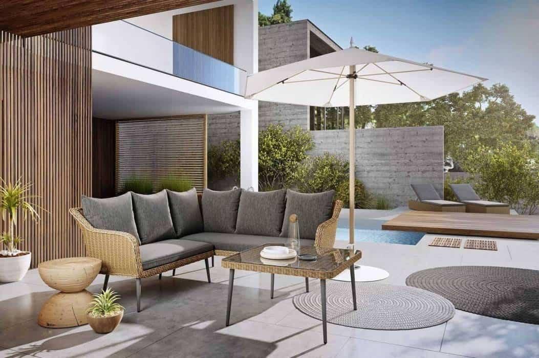 Kanapa na balkon – urokliwa, zewnętrzna strefa wypoczynkowa w bloku