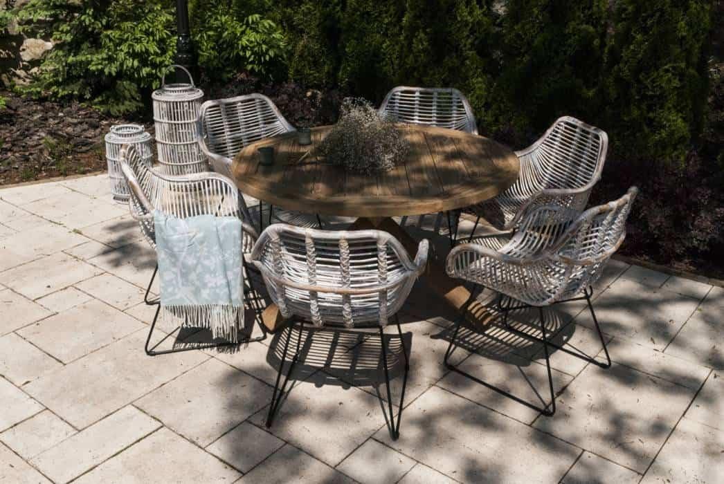 Krzesła rattanowe – mały, wielki mebel