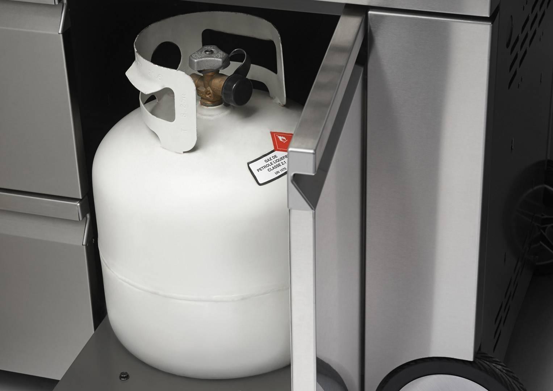 Grill ogrodowy gazowy PRO 825RSBI