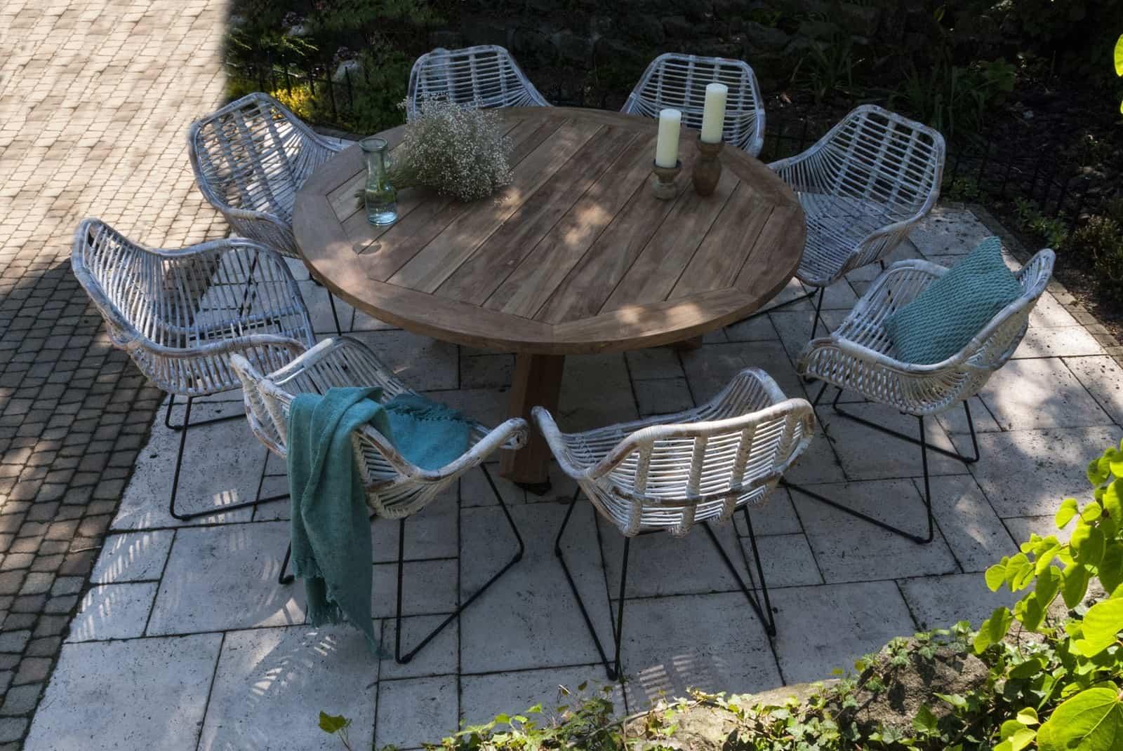 taras w stylu nowoczesnym: stół z drewna egzotycznego BORDEAUX