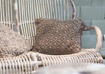 Poduszka dekoracyjna Dori taupe 45cm
