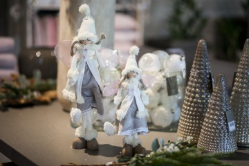 Figurka anioła w czapce  49cm