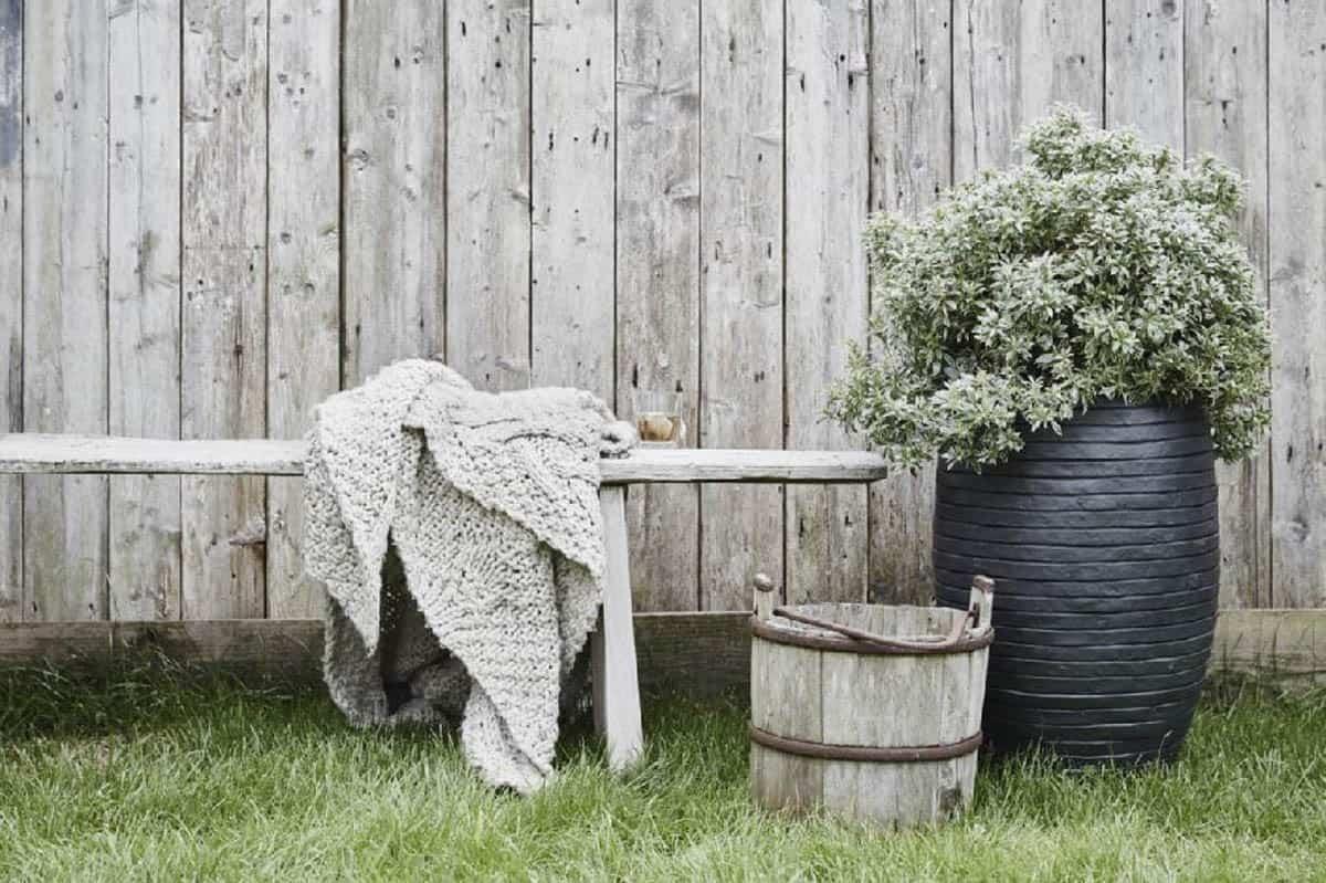 Donica ogrodowa z cementu OFI242 47cm