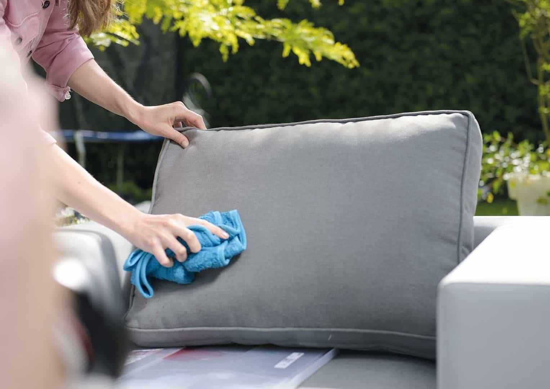 Jak zabezpieczyć meble ogrodowe? Skorzystaj z SHINE TEXTILE PROTECTOR