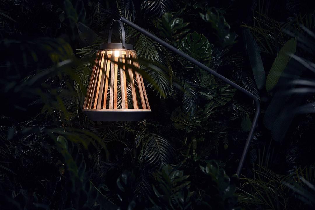lampy solarne na taras - stojak