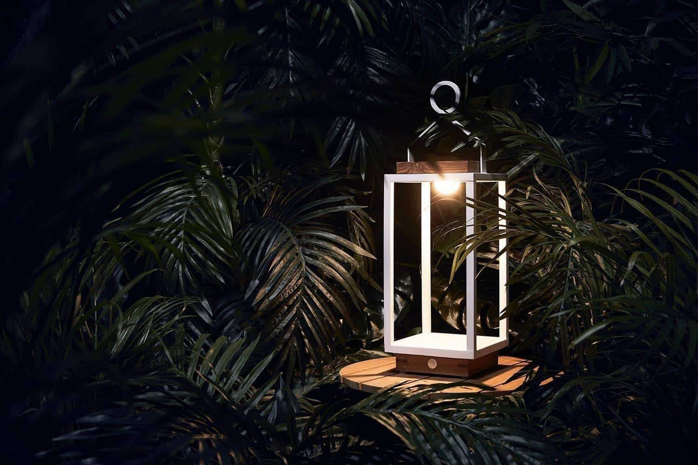 Lampa solarna Mrs. Solar Coco teak biała XL