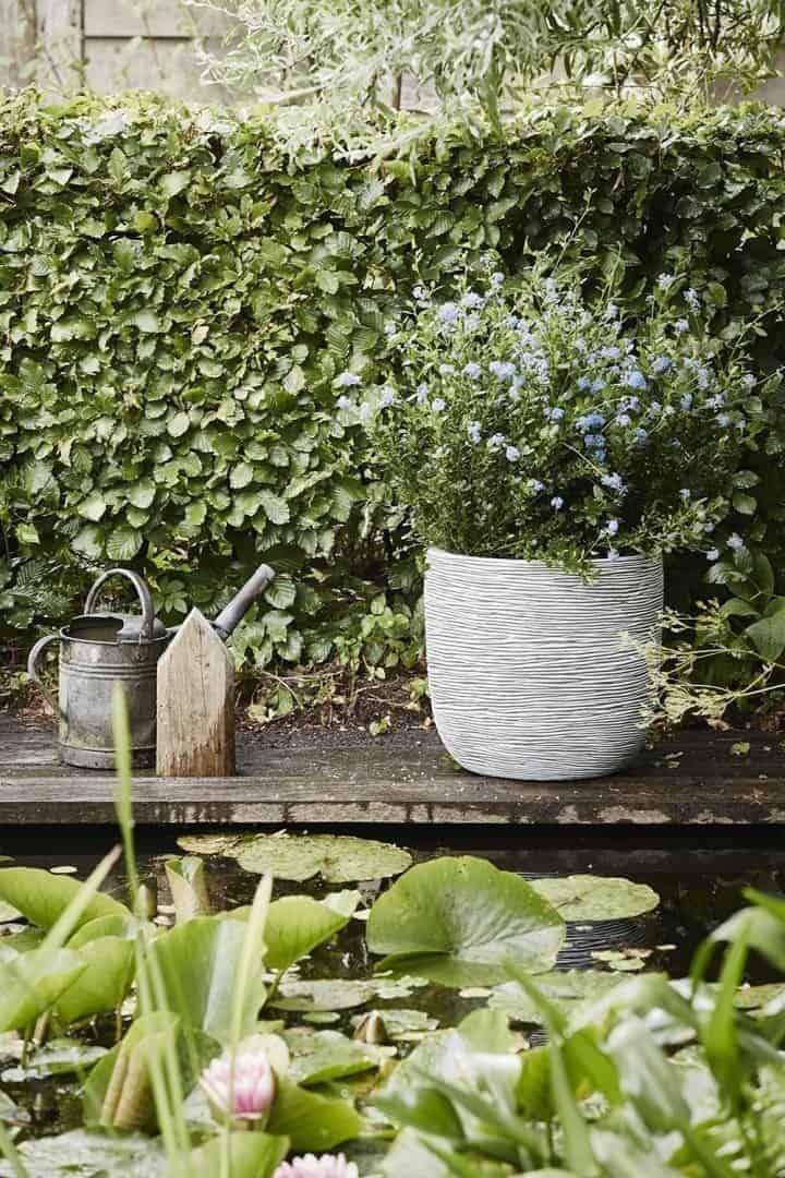 Donica ogrodowa z cementu OFI251 37cm