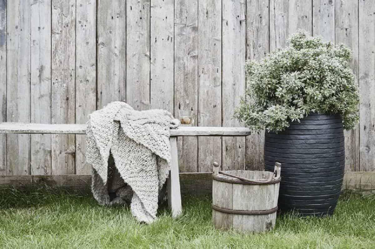 Donica ogrodowa z cementu OFI252 47cm