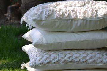 Poduszka ogrodowa dekoracyjna Brent beżowa